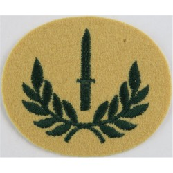 Bayonet In Wreath (Class 1 Infantry Soldier) Green On Maize - LI  Embroidered Army cloth trade badge