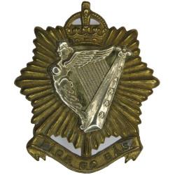 Irish Regiment Of Canada Fior Go Bas with King's Crown. Bi-metallic Other Ranks' metal cap badge