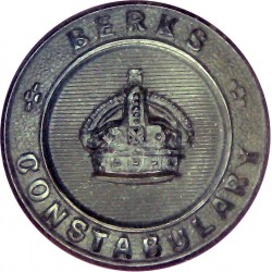Berkshire Constabulary - Black 22mm - Pre-1952 with King's Crown. Horn Police or Prisons uniform button