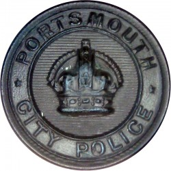 Portsmouth City Police - Black 24mm - Pre-1952 with King's Crown. Horn Police or Prisons uniform button