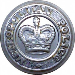 Leicestershire & Rutland Constabulary 17.5mm - 1952-1967 with Queen Elizabeth's Crown. Chrome-plated Police or Prisons uniform b