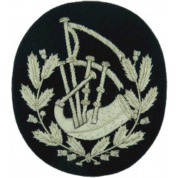Bag-Pipes In Thistle Wreath - Pipe Major Silver / Piper Green  Bullion wire-embroidered Musician, piper, drummer or bugler insig